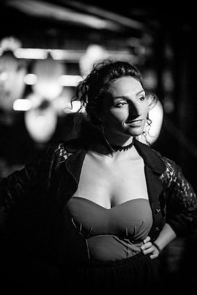 Mona Mio. - A neo soul tribute »