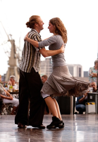 Folkdans niv 2