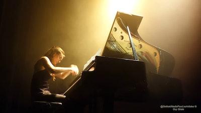 En scène l'artiste! Dialogue avec un piano