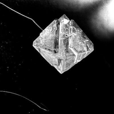 Introduction à l'alchimie des cristaux: Roxane Lahidji