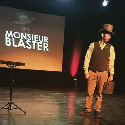"Monsieur Blaster "" c'est joli, mais ca sert à rien !! """
