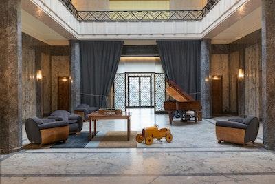 Flamboyant — Un art de vivre dans les années trente villa empain