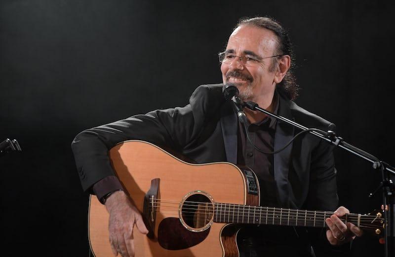 """Le Café de La Rue fête ses 40 ans avec NICOLAS PEYRAC : """"Les Acoustiques improvisées"""""""