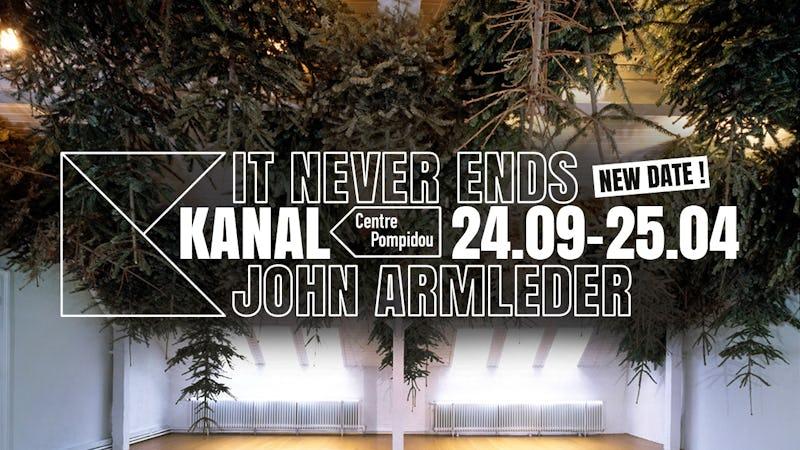 It never ends : John M Armleder & Guests Yoga, 2020 Sapins artificiels Installation. Dimensions variables Courtesy de l'artiste © John M Armleder