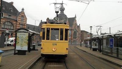 MTUB-BTT à blanc Motrice- 376 à Schaerbeek (c) Tram Museum