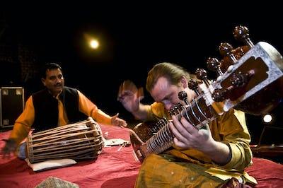 Bert Cornelis (Sitar) & Pt. Udhav Shinde (Pakhawaj)