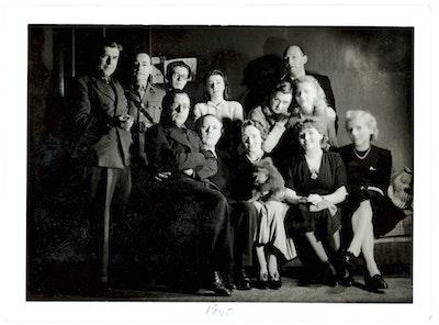 Dotremont et les surréalistes. Une jeunesse en guerre (1940-1948) Coll. Fonds Jacqueline Delcourt-Nonkels, Koning Boudewijnstichting, in depot in het Fotografie Museum, Charleroi, © Raoul Ubac