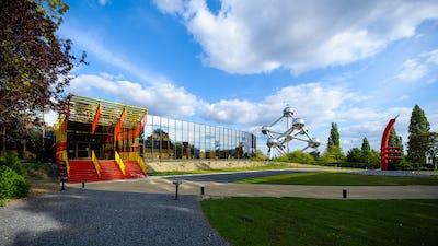 Le Heysel en couleur : sur les traces des couleurs de l'Expo 58 et de la collection de design plastique du ADAM – Brussels Design Museum