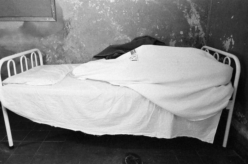 Charif Benhelima – 'The End of a Line' © Charif Benhelima, série Cul de sac, untitled #2, 2002-2020, 70 x 125 cm