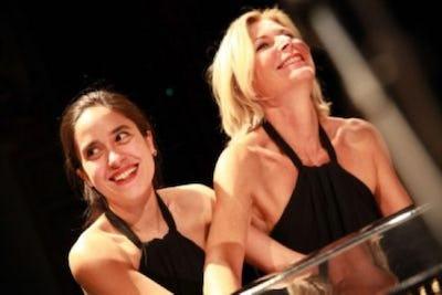 """BxlSurScène 2021 : """"Amor y Pasión"""" par le Duo """"ClairObscur"""" - piano à 4 mains"""