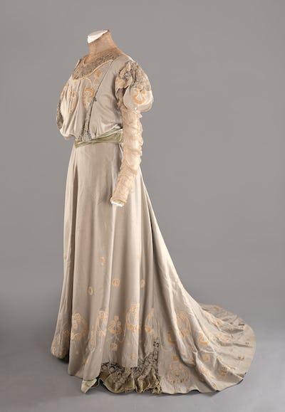 L'Art nouveau et la mode par Nathalie Harran-La Dame d'Atours